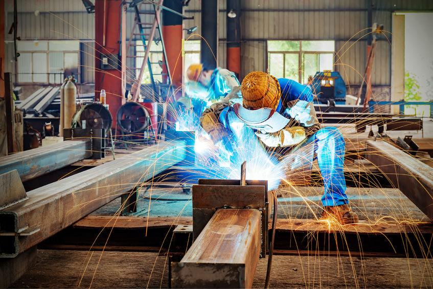 Szakszerűen végzett acélszerkezet gyártás.