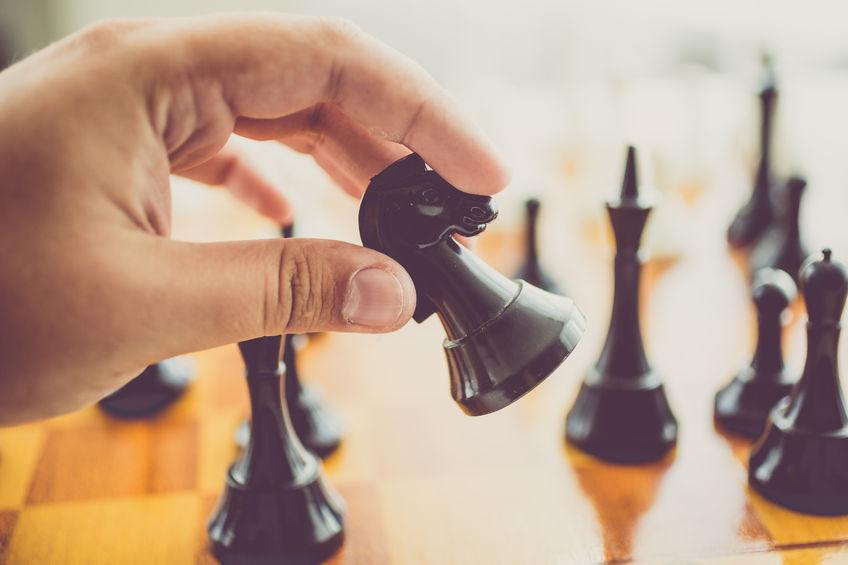 Sakkjátékokat készítünk szépséges fából.