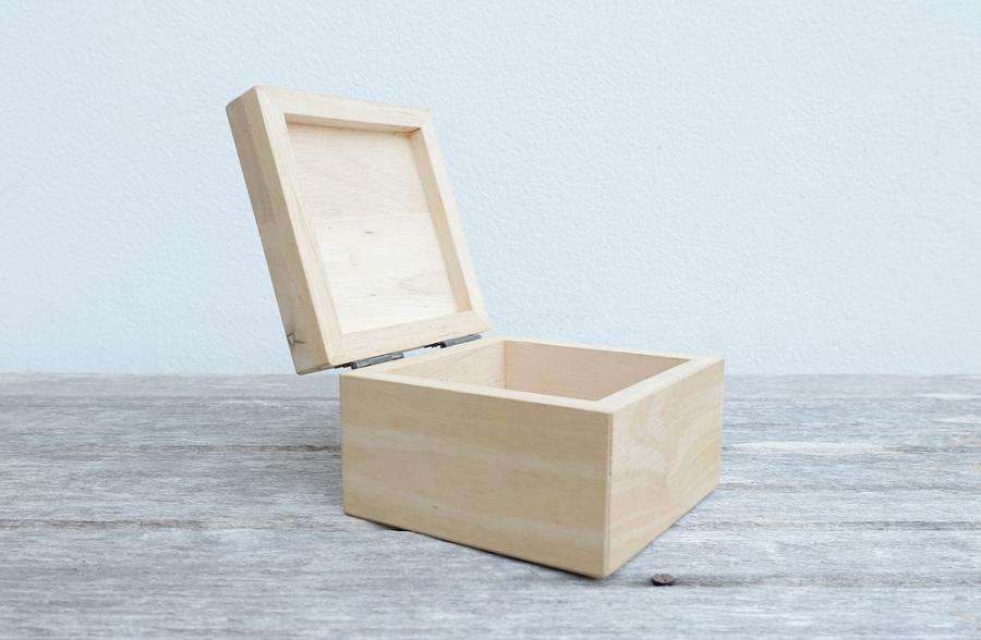 Fa dobozokat árulunk remek áron!